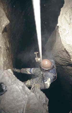 Discesa in grotta