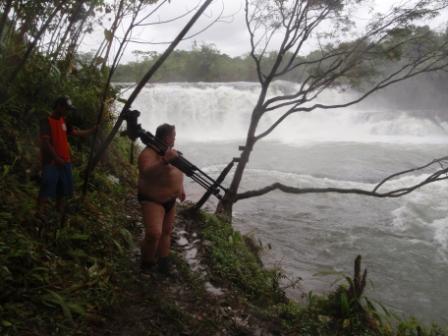 """Camera-Gatto"" alla Lulugayan Falls"