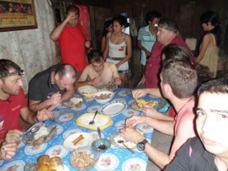 Cena presso la casa del barangay captain di Barruz