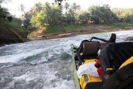 Gigi per le rapide del Gandara River