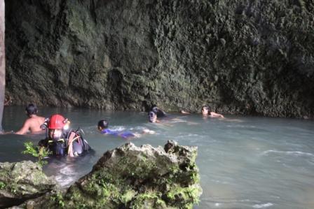Immersione accompagnati dai bambini di Barruz