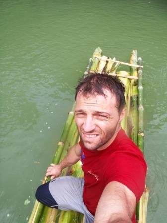 Scialuppa di salvataggio in banano...