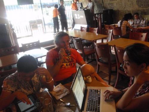 Ad Intramuros con la broker e Tweet a sbrigare le carte